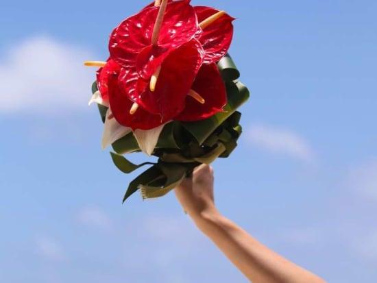 生花ブーケ レッドアンセリウムクラッチイメージ2