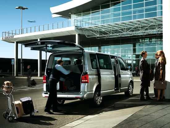 how to get from edinburgh airport to city