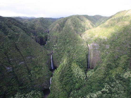 Hawaii_Air Maui_Helicopter Ride Waterfall_Molokai
