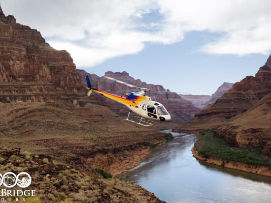 las-02A-grand-canyon-west-rim-helicopter-and-boat-ride-2