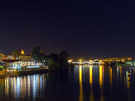 Panoramica nocturna_Guadalquivir