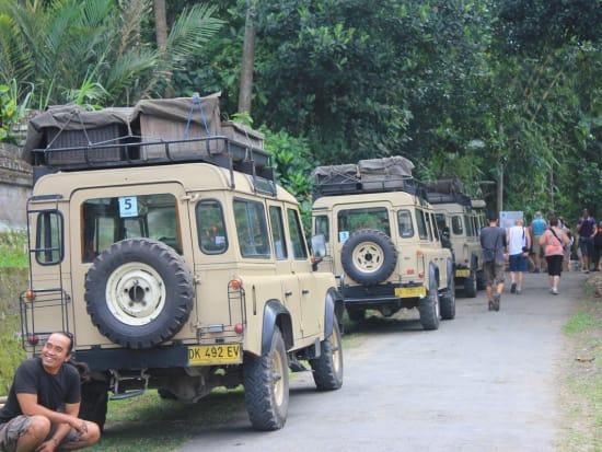 WakaLandCruise-Land-Rover