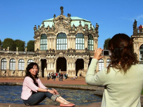 20140414083045_159503_T19_Old_town_Zwinger_touristen