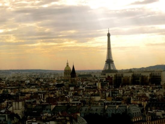 パリの街を一望できます。