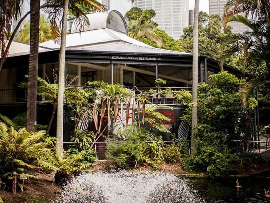 Botanic_fountain_web
