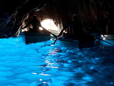 カプリ島・青の洞窟