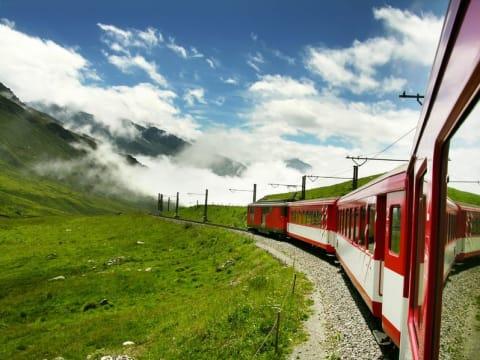 ミラノ発着 スイスへの小旅行
