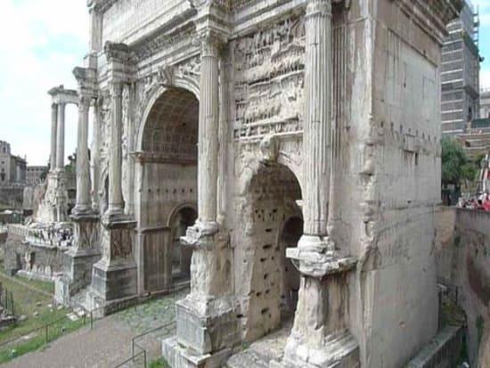 IT_ROME_AM FORO ROMANO WALKING_Foro Romano2_2011