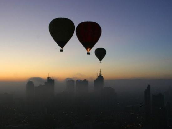 3_balloon_silhouette_LR