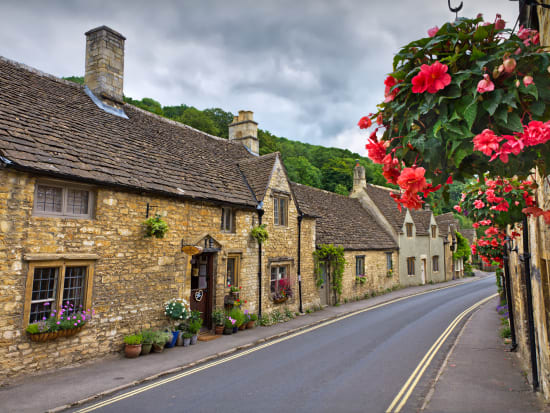 bigstock-Cottages-in-Castle-Combe-Cots-25155212