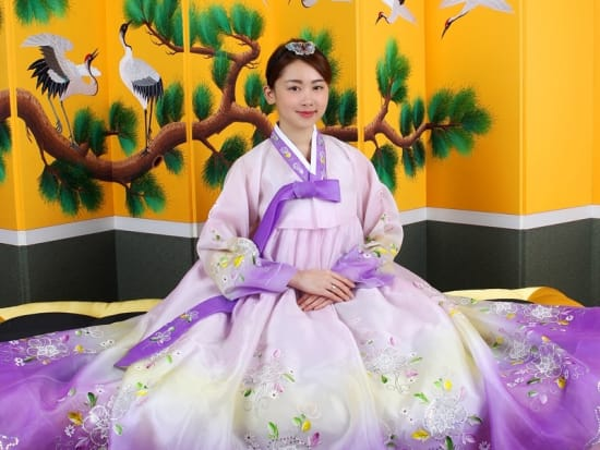 Dress Up In Vibrant Korean Hanbok And Chimajeogori To Have Your Photo Taken At A Studio Central Myeongdong That Receives Stars From Around The