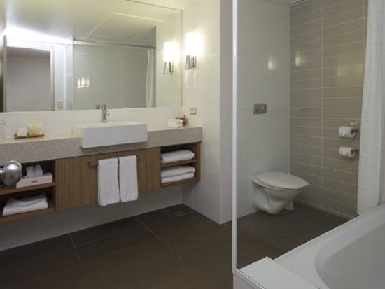 DesertGardensHotel-bathroom-480x480