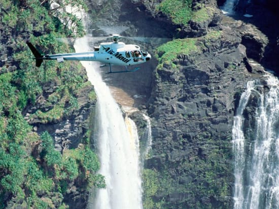 Hawaii_Air Maui_Helicopter Ride Waterfall