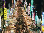 liuhe night market in taiwan