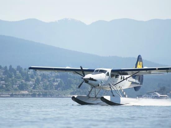 Canada_victoria_harbour air seaplanes