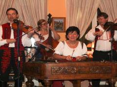 folklori-group-1413825683