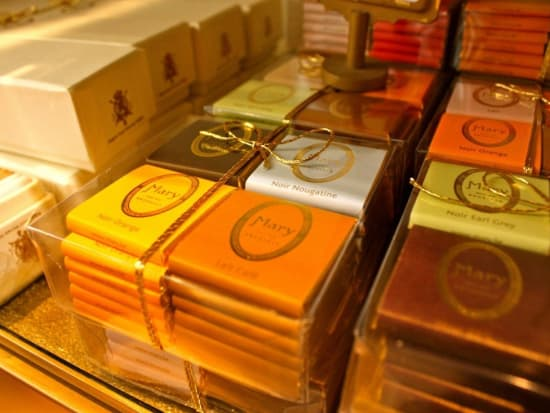 8-chocolate-tour.-brussels.-one-day-activity.-tourist.-belgian-treats-1100x733