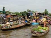 CaiBe_Floating_Market