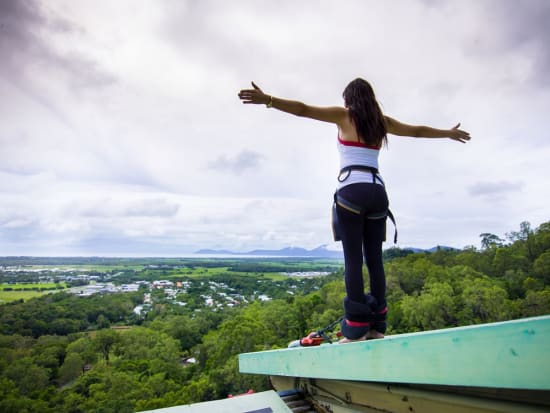 Bungy Roof Girl BN  CF018478
