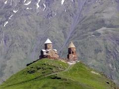 カズベク地区教会