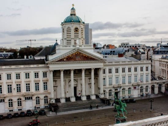 1-what-to-visit-in-bruxelles.-top-3-attractions-bruxelles.-royal-square.-mysteries-tours.-globalenterprises-1100x576