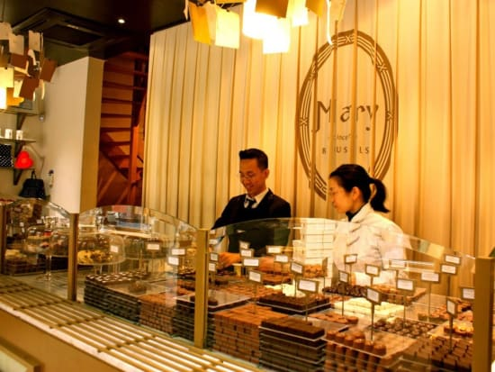 9-chocolate-stores.-the-best-chocolate-in-brussels.-authentic.-tasty.-chocolate-tour-1100x733