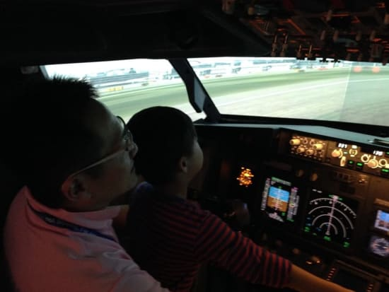 ラグジュアリーフライト フライトシミュレーター体験04