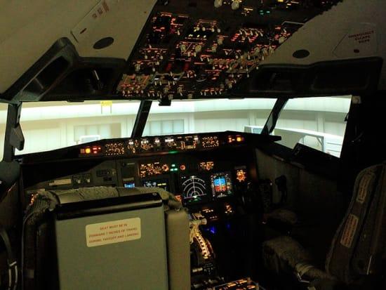 ラグジュアリーフライト フライトシミュレーター体験08