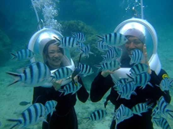Wearing full face masks for easy underwater fun