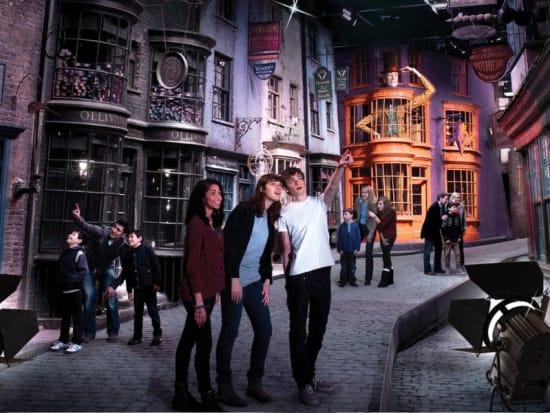 Image result for Estúdio Harry Potter - Warner Bros. The Making of Harry Potter
