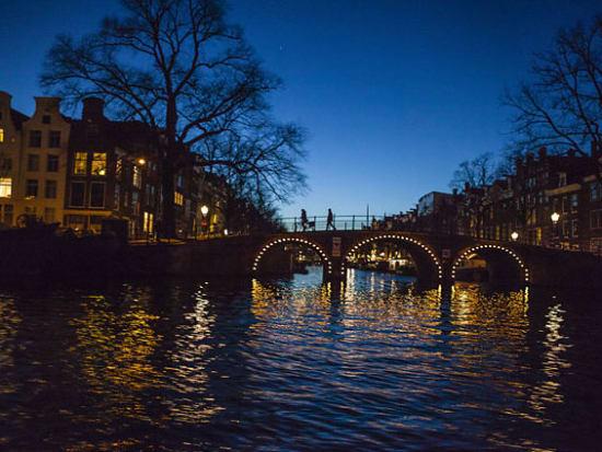 Netherlands_Amsterdam_Blue Boat - Night Cruise