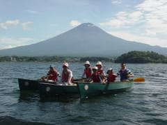 Canadian canoe tour on Lake Kawaguchi