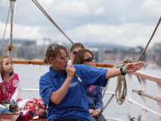 Live Guide on the Sailing Ship