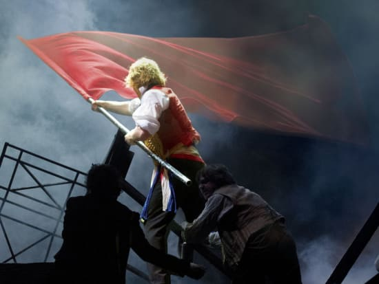 Les Mis+®rables. Photo by Alastair Muir.[1]