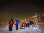 Snowmobile_excursion_northern_lights_by_Lapland_Safaris_1