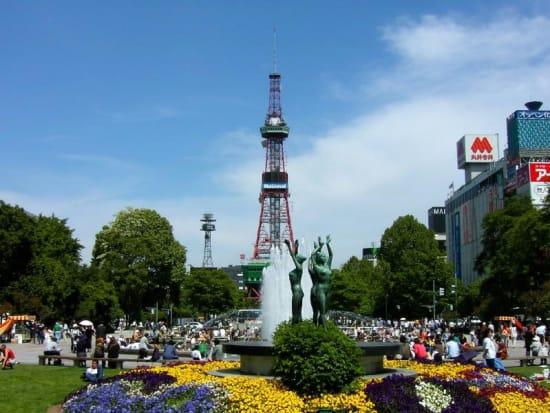 札幌大通り公園とテレビ塔1
