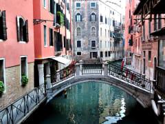 Venice_-_Rialto_Bridge_-_02