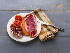 Tomato on bread with Ibérico Ham _med