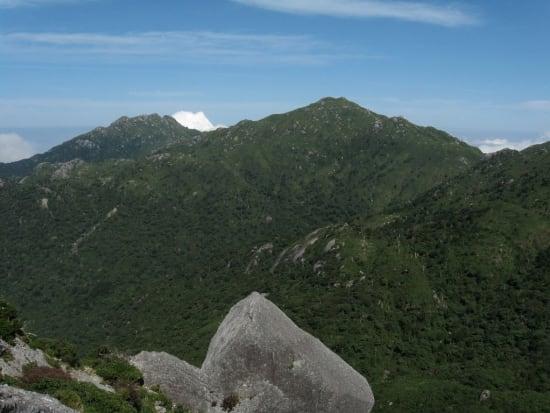 黒味岳の頂上から宮之浦岳&永田岳