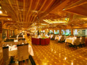 Dubai_Rustar Floating Restaurant_Elegant Dining