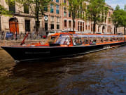 Amsterdam, Canal cruise