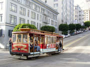 Streetcar_outside_Exploratorium_RS