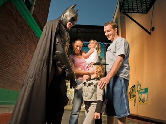 Batman_alley_300dpi