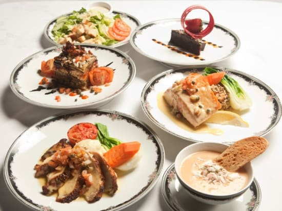 VIP_DLX_Dinner_2_(Chicken,_Salmon,_Veg)