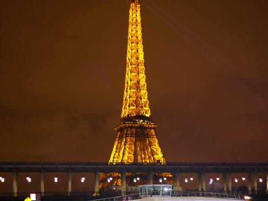 Bateaux-Mouches - La Tour Eiffel