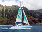 sailing_kauais_HOLOHOLOnapali_coast