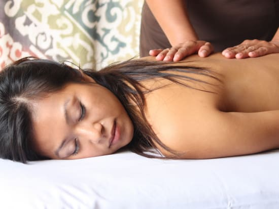 m_Stone_Massage_Female