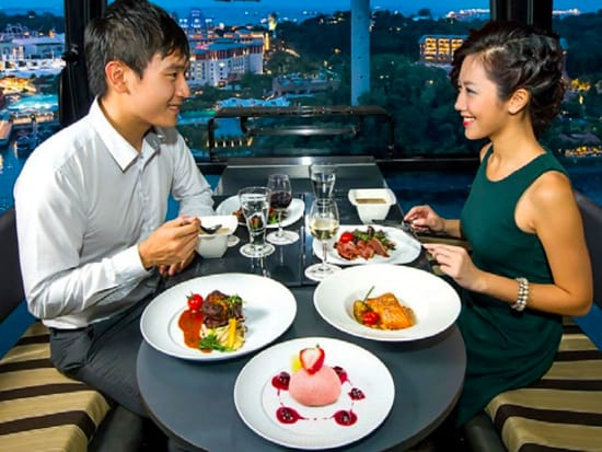 sg_cable-car-sky-dining (1)