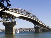 Auckland Harbour Bridge_shutterstock_722973