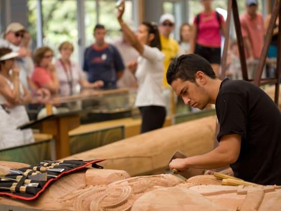Te Puia Carver Ancient Maori art forms